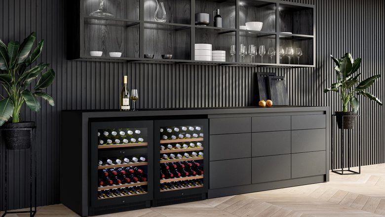Wine cooler to cool the bottles and for decoration
